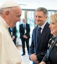 El Papa le transmitió a Malcorra que no recibirá a más políticos argentinos
