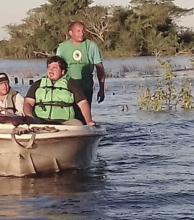 Con una logística precaria asisten a familias rurales aisladas en San Luis