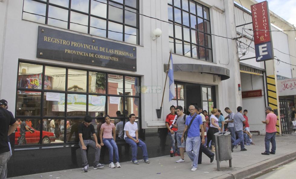 Se tramitan hasta 30 pasaportes por día en las oficinas locales del ...