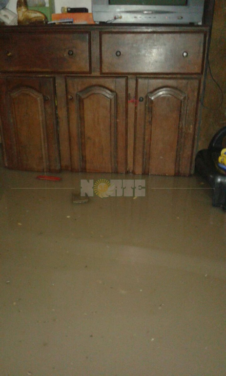 casa inundada.jpg