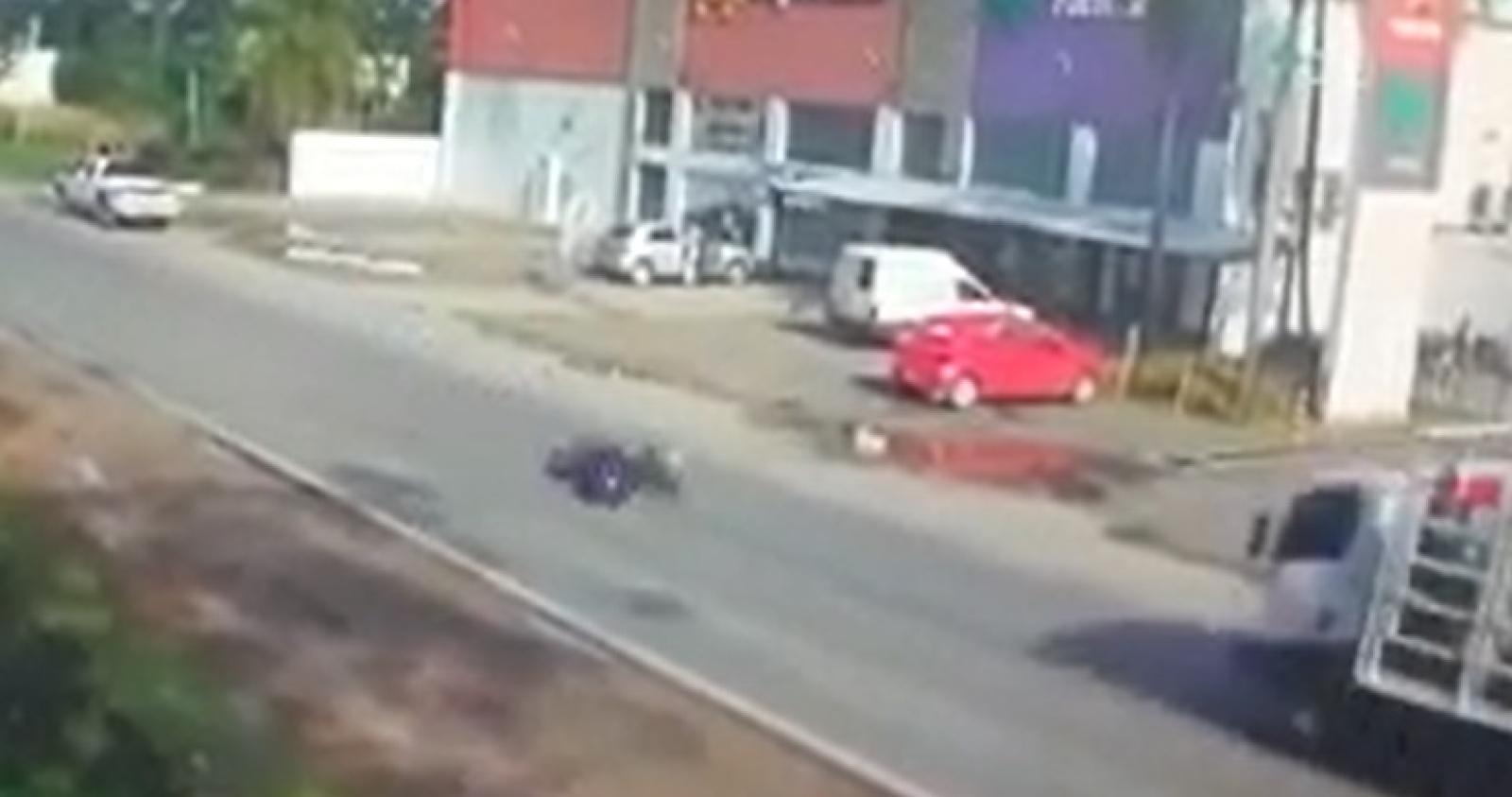 Tremendo accidente en el acceso a Santa Ana
