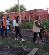 Toto Ibáñez recibió las inquietudes de los vecinos afectados por las lluvias en el barrio Esperanza