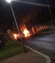 Un policía muerto en CDE y autos quemados en el asalto a Prosegur (Videos)