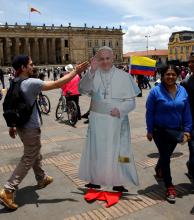 """El Papa anuncia que viaja a Colombia """"como peregrino de esperanza y de paz"""""""