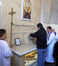 Los restos de Pocho Roch fueron depositados en el cinerario de la Basílica
