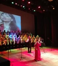 Exitosa velada de gala solidaria con la actuación del Coro Kennedy en el Vera