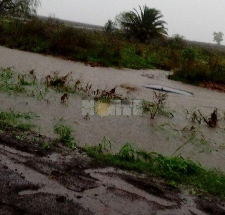 foto-diariolapaz-1525960651-auto_banquina.jpg