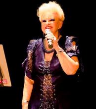La artista María Bonita será distinguida en el Café Tortoni