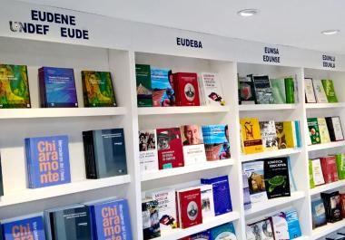 Proponen 1.000 libros de autores correntinos para cada nuevo hogar