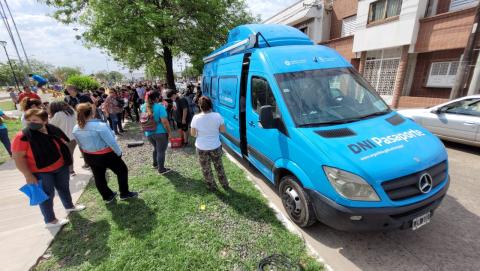 El camión de los DNI  ya recorre el interior de Corrientes