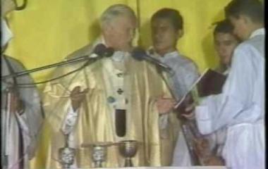 Hace 34 años San Juan Pablo II visitaba Corrientes bajo una lluvia torrencial