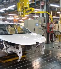 La industria bajó en enero 1,1% y acumuló 12 meses negativos