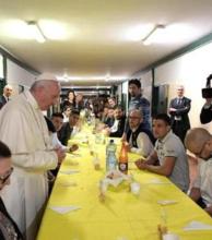 El Papa invitó a presos y dos aprovecharon para fugarse