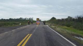 puente caido esquina señalizado.jpg