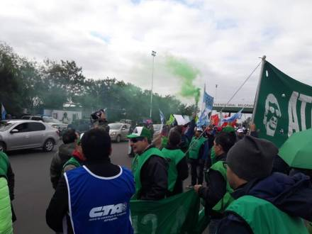 PROTESTA ACCESO AL PUENTE 3.jpg