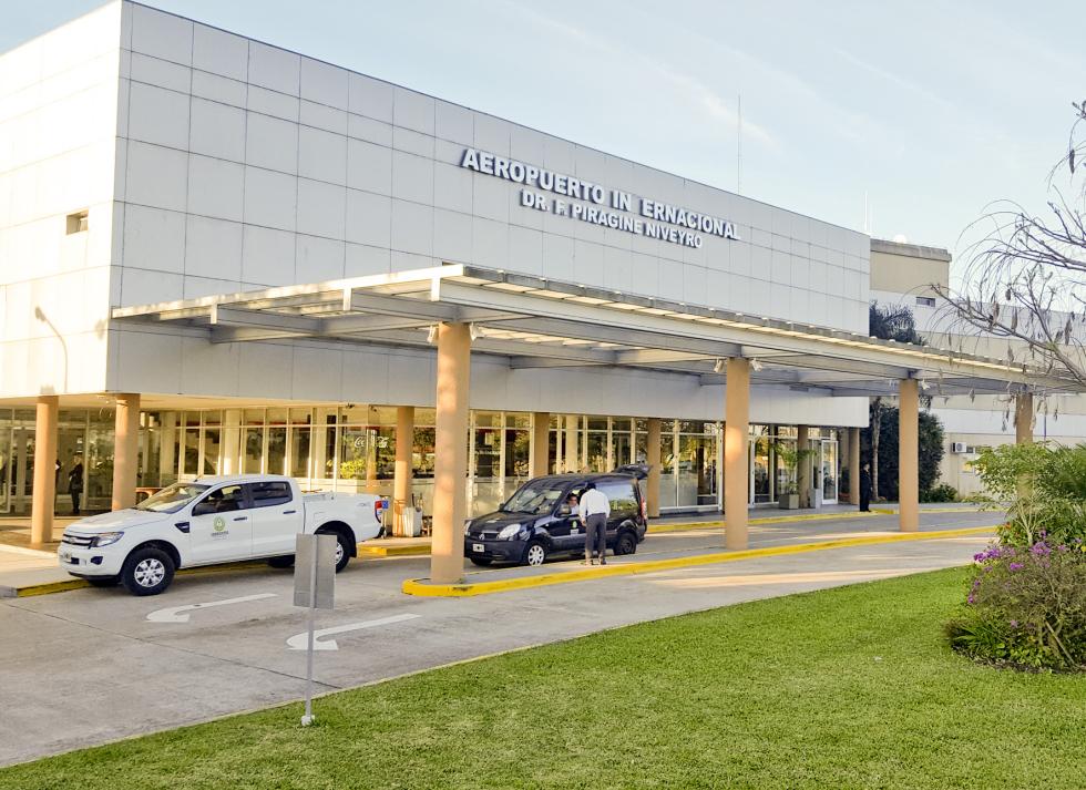 l aeropuerto de Corrientes cierra hasta el 31/05 y sólo se habilitará para emergencias