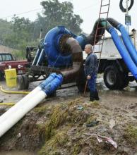 El agua que desciende de lagunas de Santa Ana y San Luis inunda sectores de la Capital