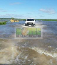 Asistencia en los campos que continúan anegados y con caminos cortados