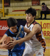 Regatas defendió a gran nivel y venció a San Martín en el segundo juego