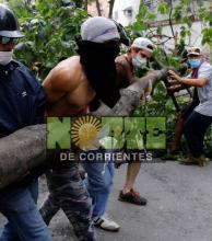 Venezuela semiparalizada por un paro contra Maduro
