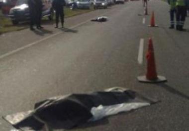Moto sin luz fue chocada por una camioneta, un muerto