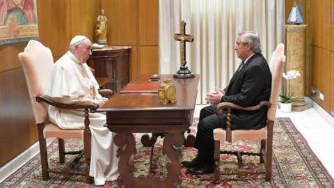 El Presidente se reunió a solas con el papa Francisco en el Vaticano
