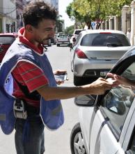 Estacionamiento medido: operadores exigen un aumento del valor a $15