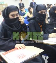 Oajnu: adolescentes debatieron sobre política, economía y el rol de la mujer