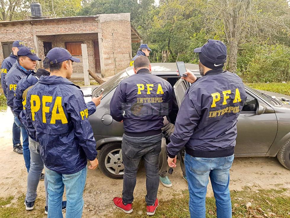 Tapa Policia federal.jpg
