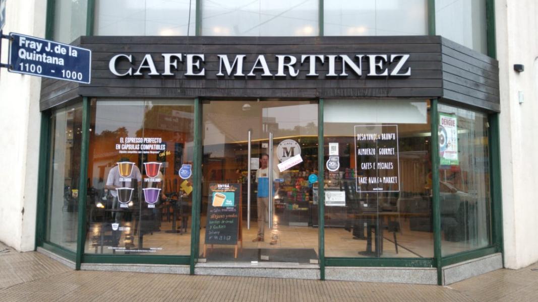 CLAUSURA CAFE MARTINEWZ.jpg