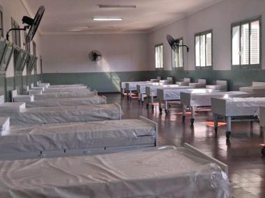 hospital campaña en Hogar Escuela.jpg