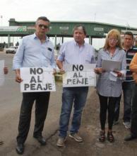 Protesta en el Chaco por el peaje de la casilla del Puente General Belgrano