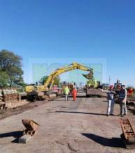 El puente Bailey sobre el Ibiru Cuá quedó corto y deben esperar a otro