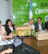 Oposición denuncia que la Provincia esconde casi mil decretos sin publicar