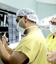 Un médico correntino hace escuela en el área de neurocirugía desde Alemania