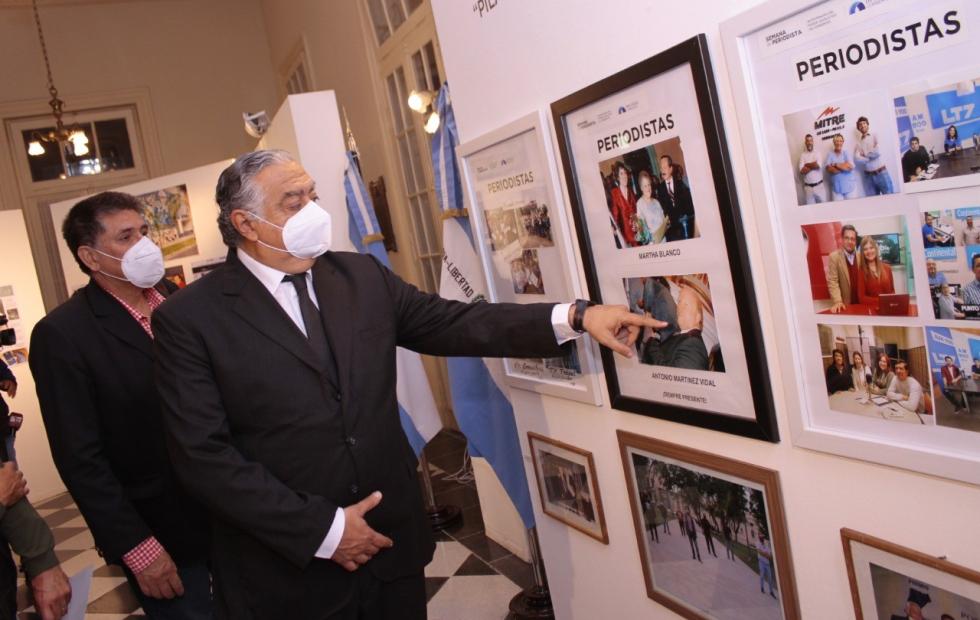"""En la Cámara de Diputados se inauguró la muestra """"Periodismo, pilar básico de la democracia"""""""