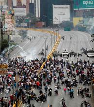 Venezuela: estalla la violencia en marcha de miles de opositores
