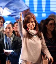 Hoy se conocerán los resultados y se espera una ajustada victoria de Cristina