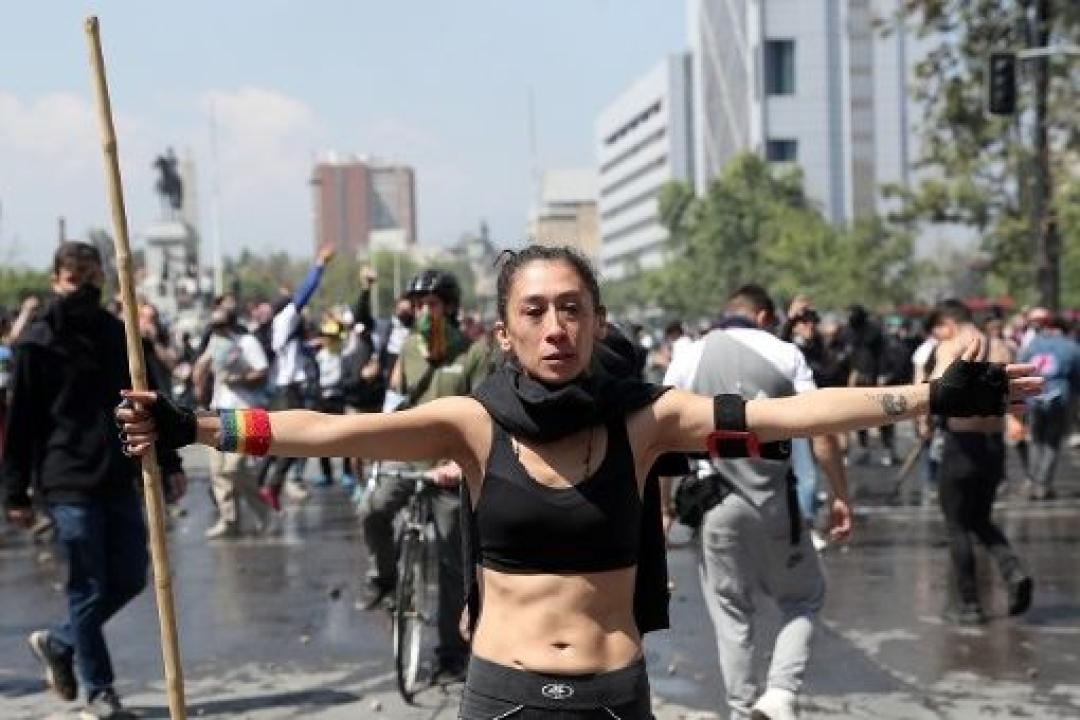 2019-10-20t185214z_1_lynxmpef9j0n4_rtroptp_4_chile-protests.jpg_1718483347.jpg